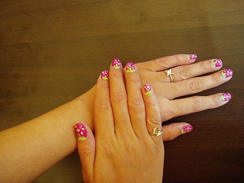 strawberry-nail-art